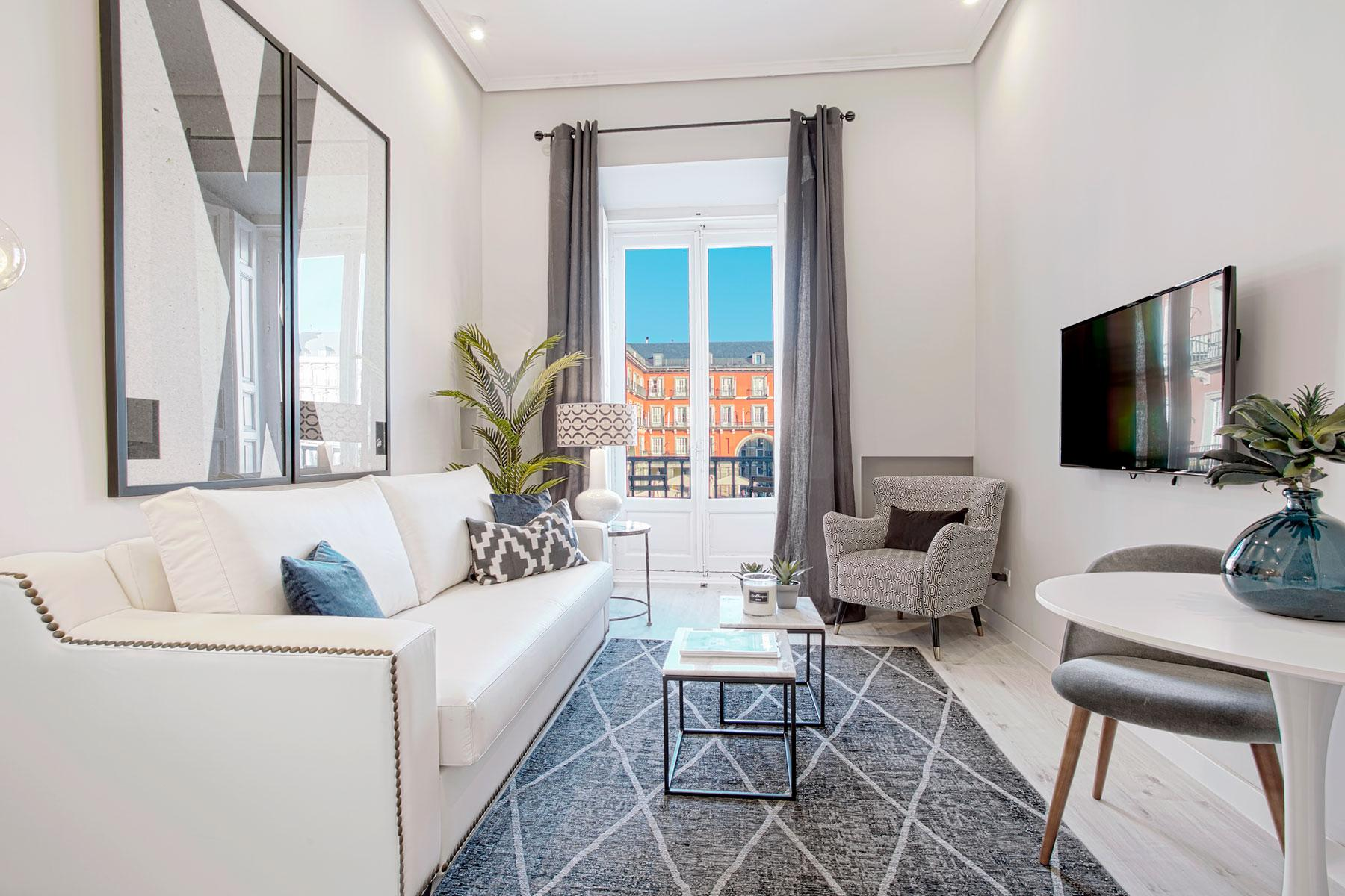 Property Image 2 - Cozy Loft with Plaza Mayor Views