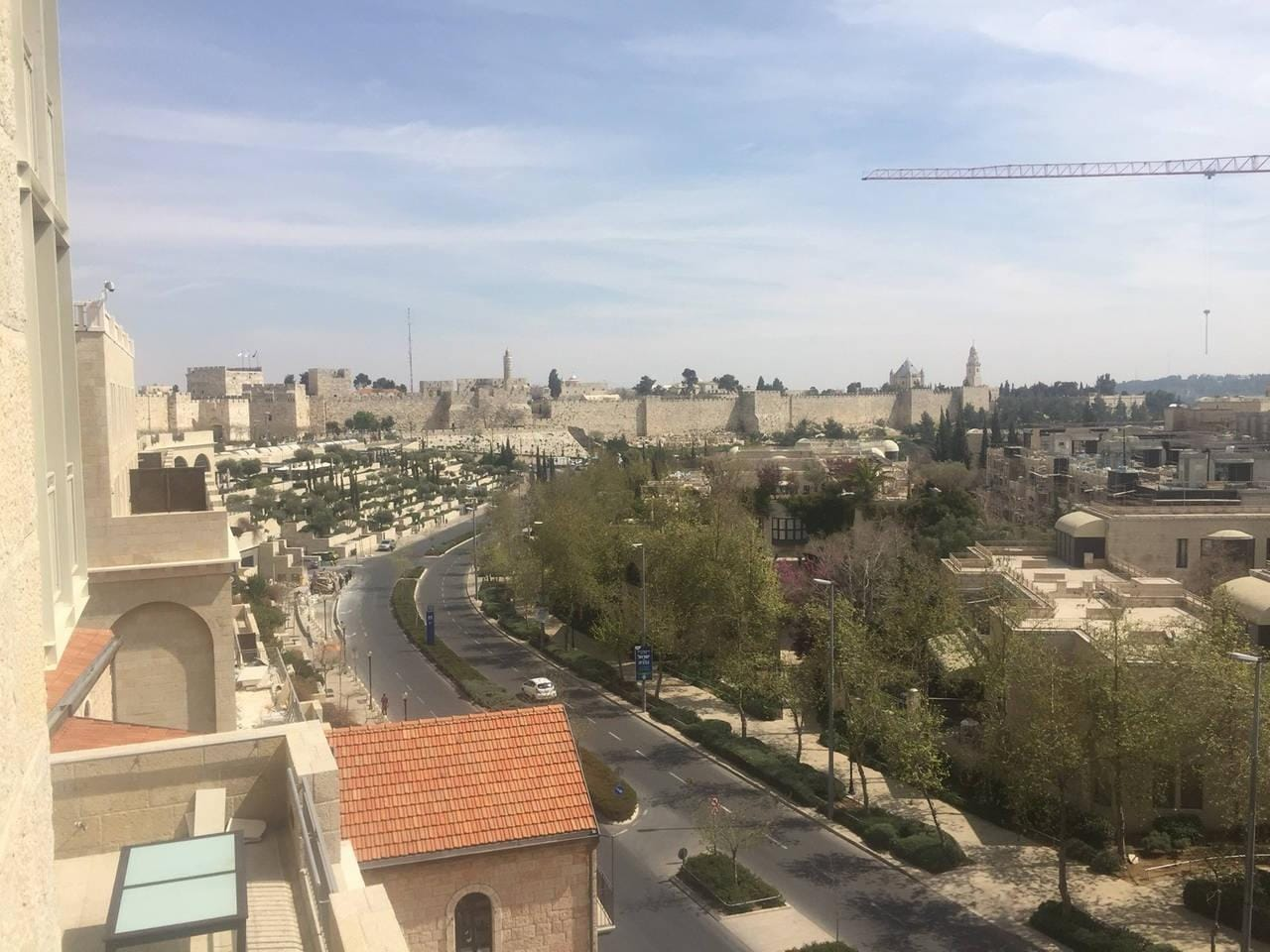 Pleasing 3 BR Duplex near Mamilla Mall and Restos