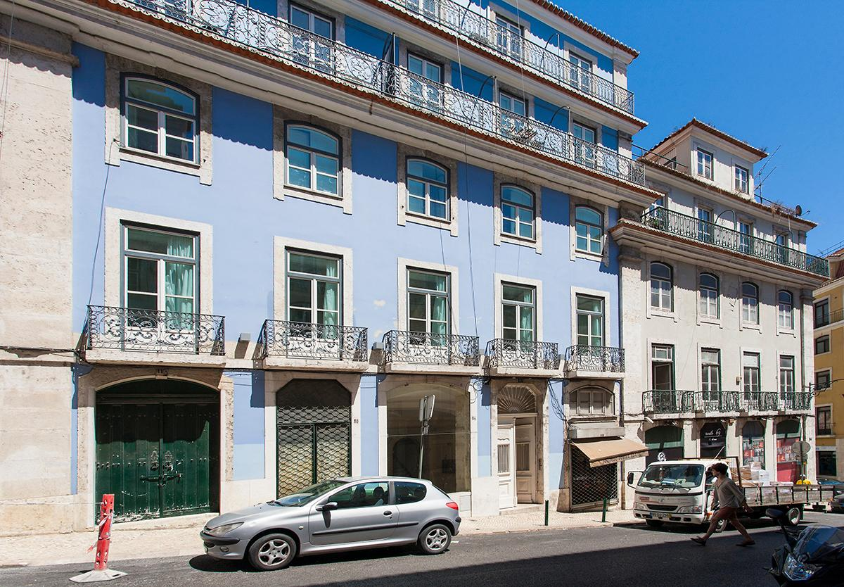 Idylic 4-bedroom Property with Private Terrace near  Praça do Comércio