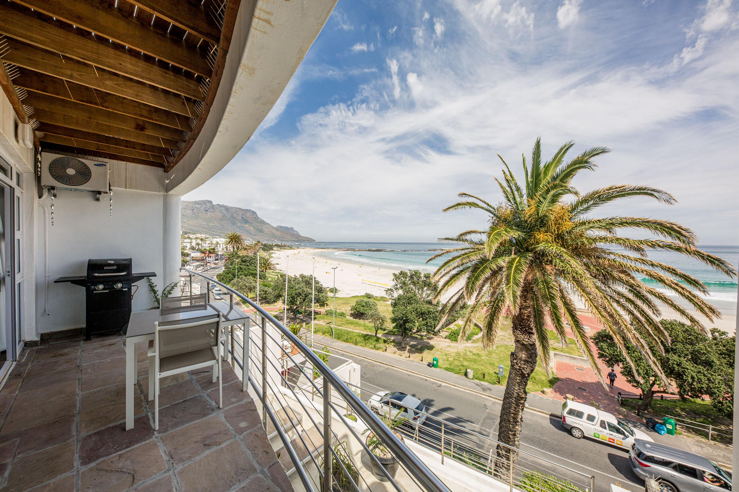 Property Image 2 - Cozy Modern One Bedroom Apartment Opposite Camps Bay Beach