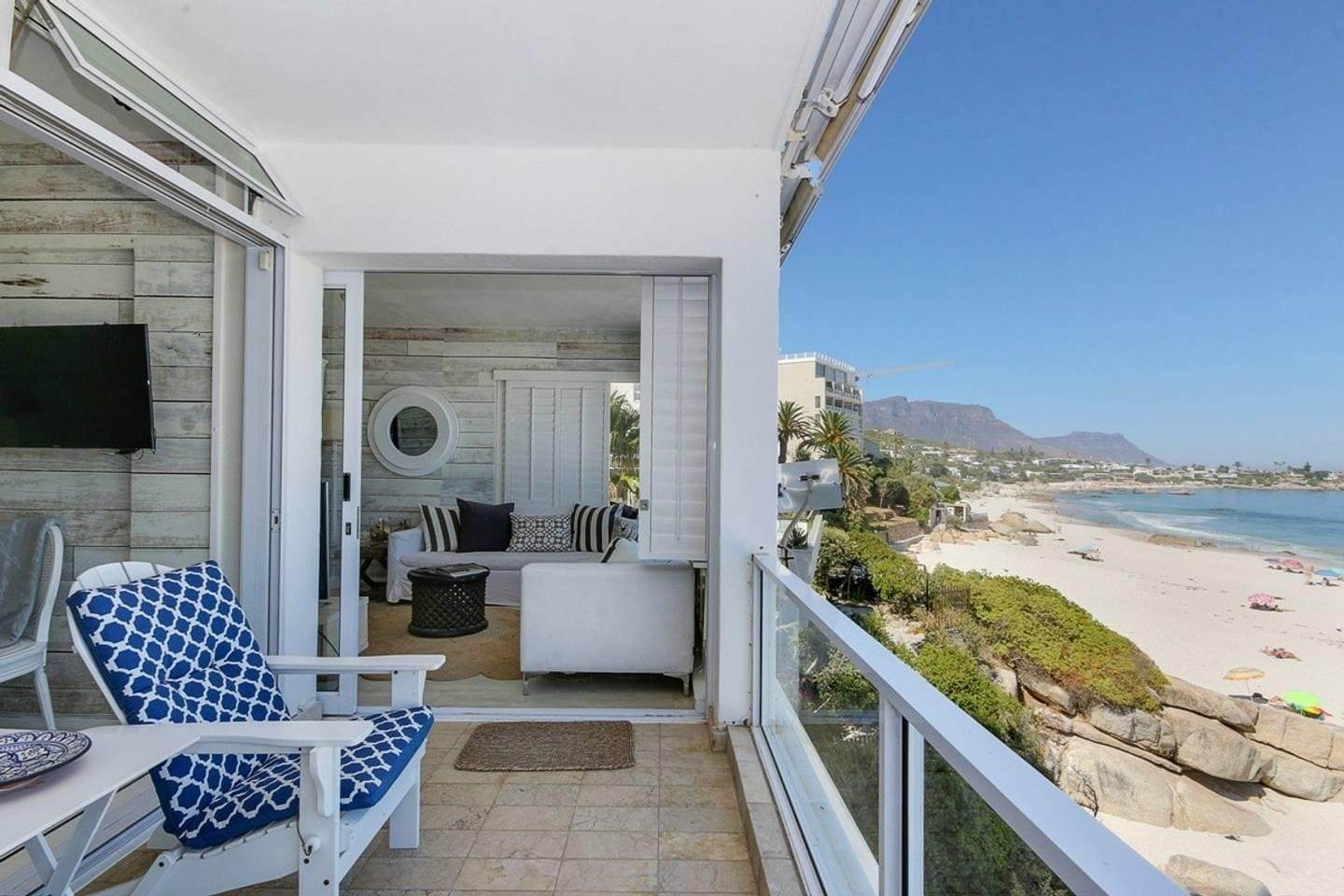 Property Image 1 - Cozy Beachfront Apartment in Clifton with Superb Ocean Views