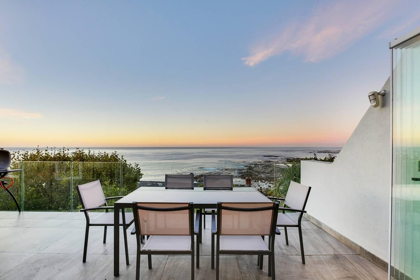 Property Image 2 - Modern Four Bedroom Holiday Apartment in Secure Camps Bay Complex with Private Pool and Parking