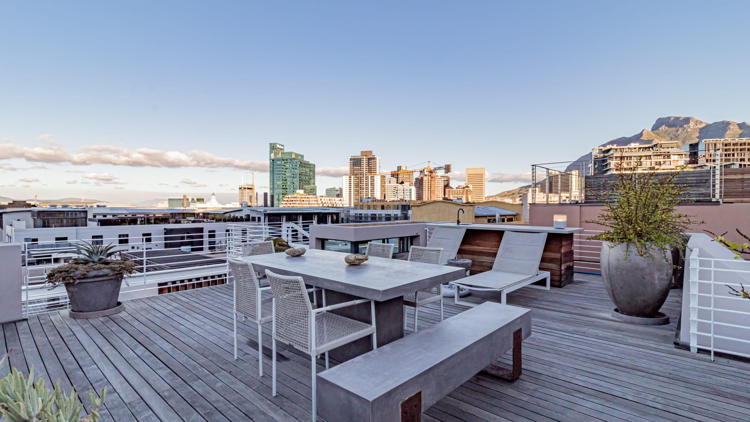 Property Image 2 - Stylishly Decorated Apartment with Rooftop Deck and Gorgeous Views