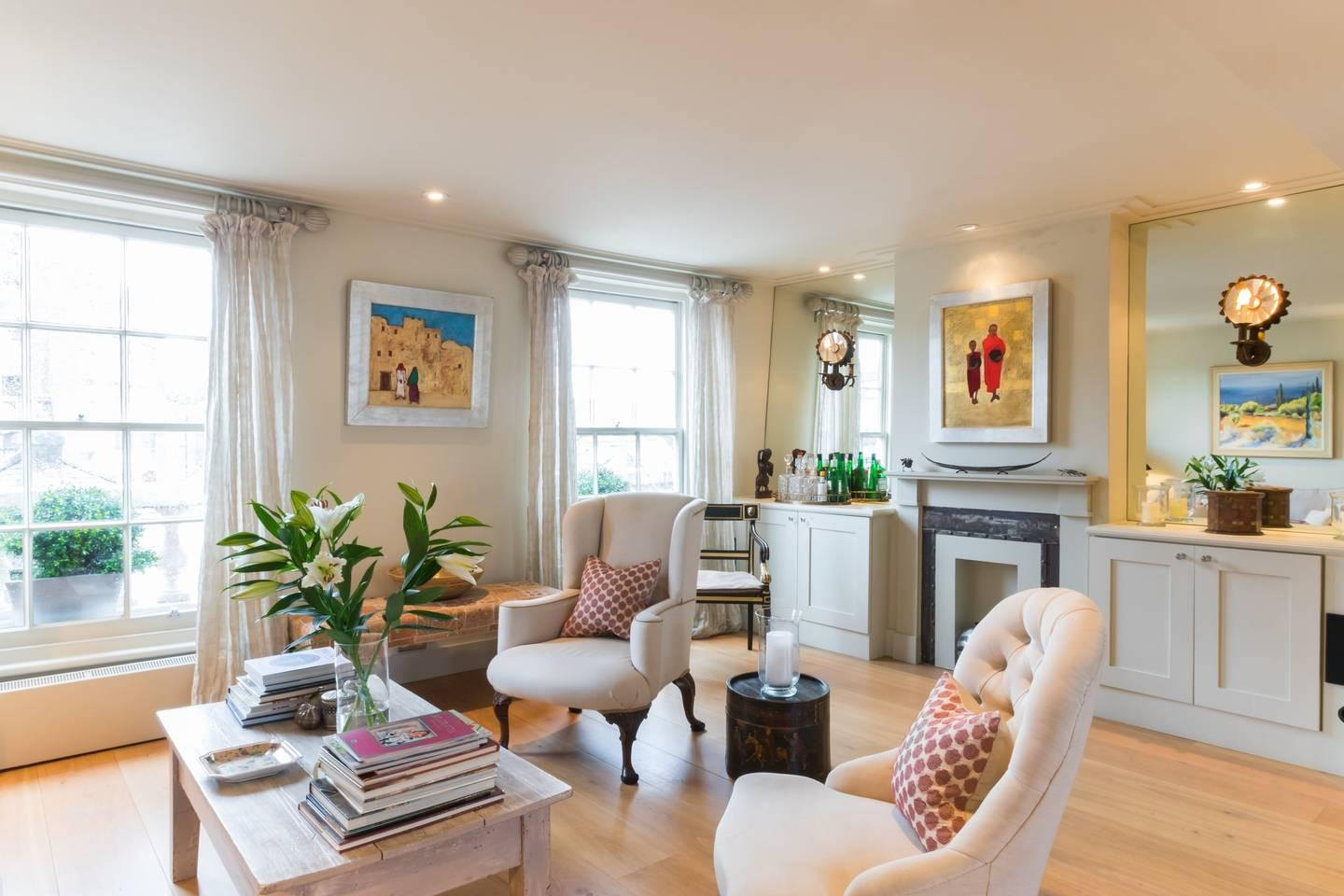 Property Image 2 - Traditional Belgravia Apartment in Unmissable Location