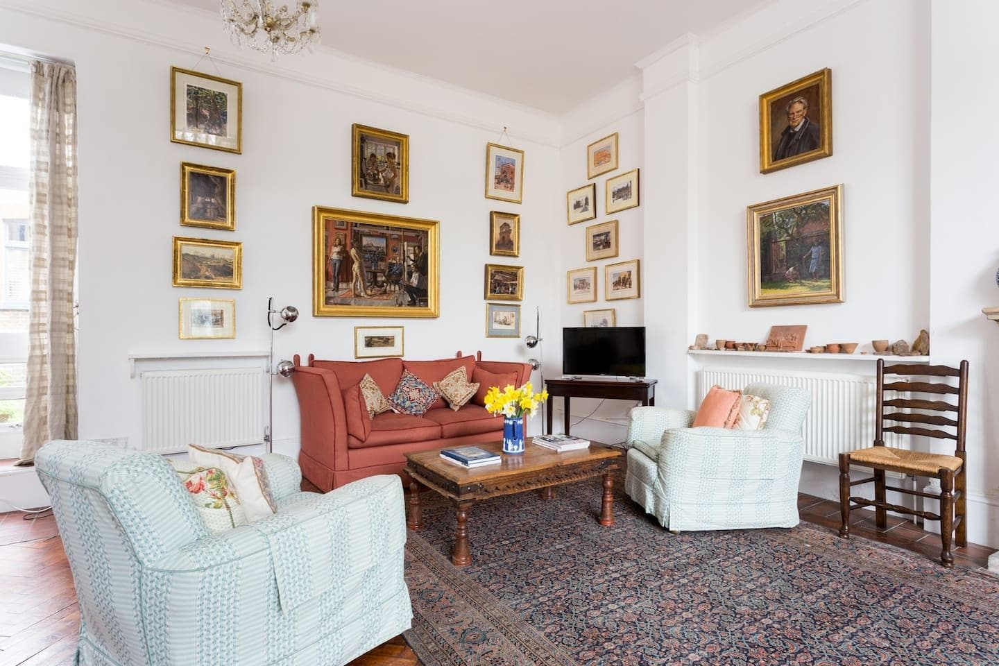 Property Image 1 - Creative Artist's Apartment in South Kensington