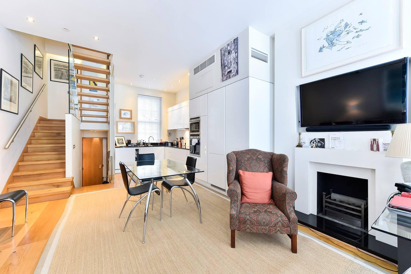 Property Image 1 - Elegant Pimlico flat for 6 guests w/ rooftop terrace