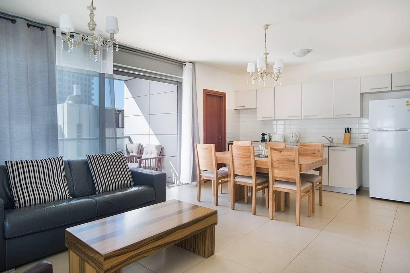 Bright Rays Suite near Tel Aviv Attractions
