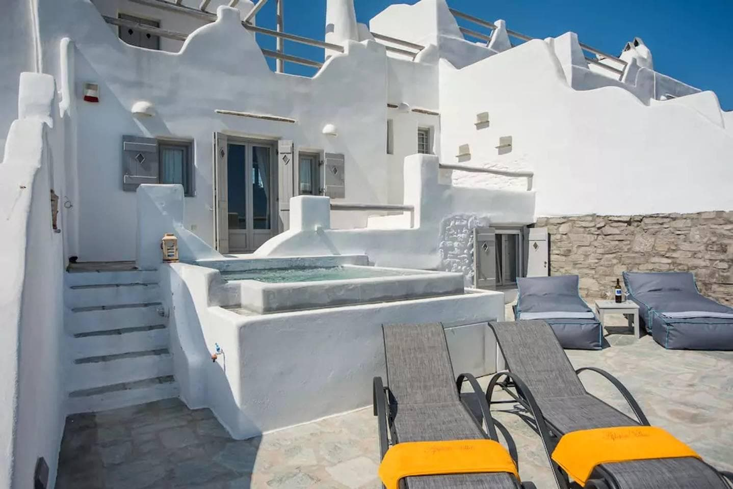 Property Image 2 - Minimalist Elegant Villa with Jacuzzi and Amazing Sea Views