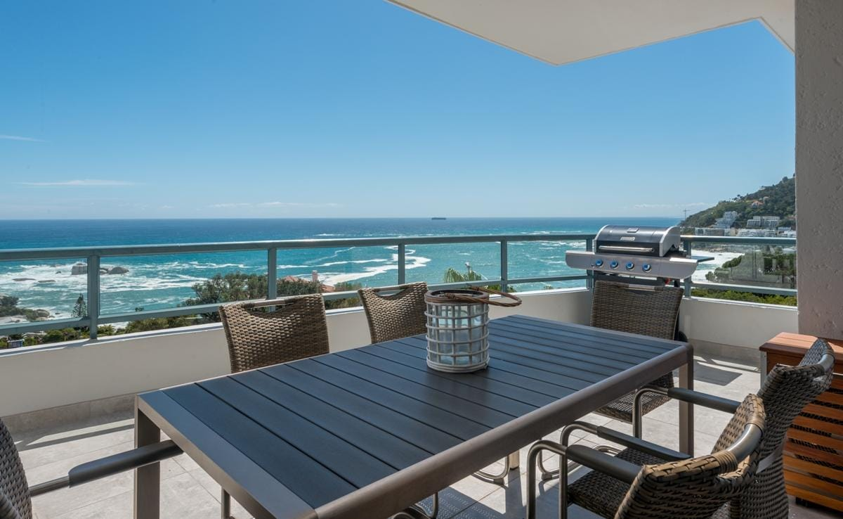 Property Image 1 - Modern Apartment situated between Camps Bay and Clifton beaches