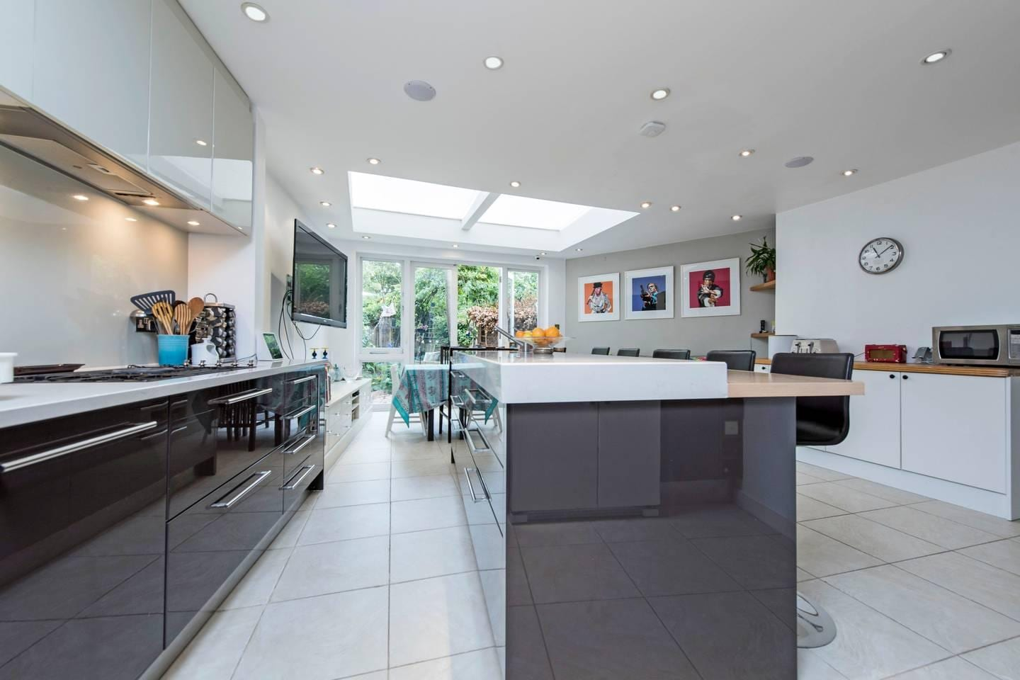Property Image 2 - Spacious Family House in Wandsworth