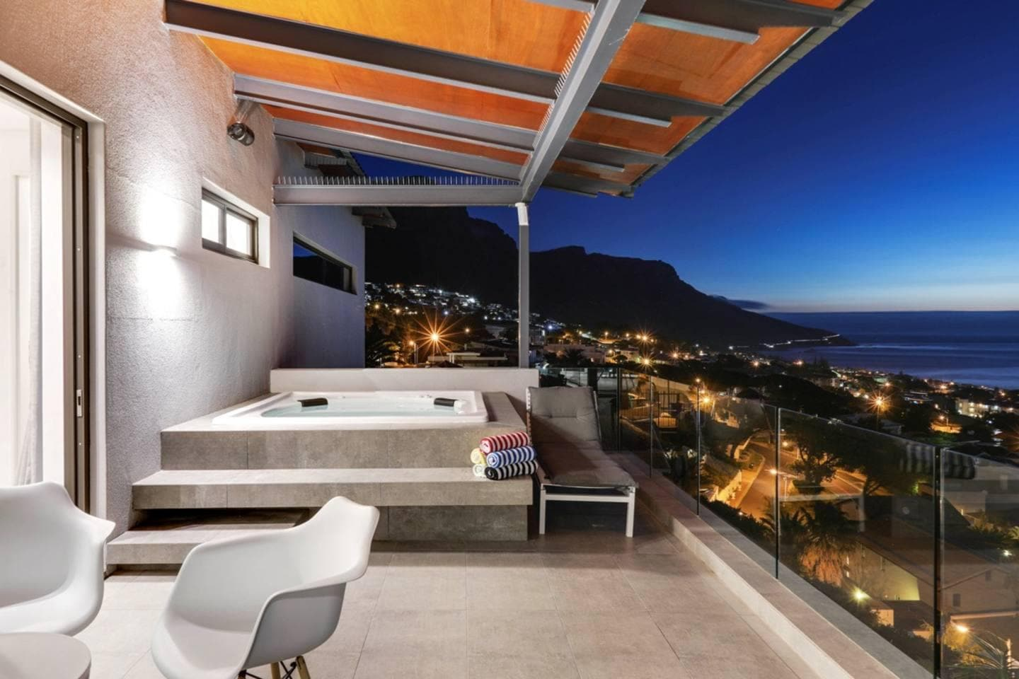 Property Image 2 - Gorgeous Modern 5 Bedroom Villa with Breathtaking Views