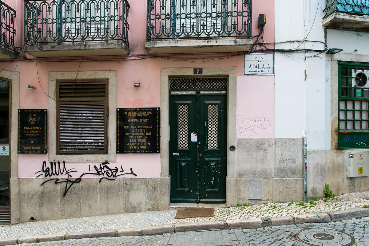 Traditional 3-bed Apt in the heart of Bairro Alto