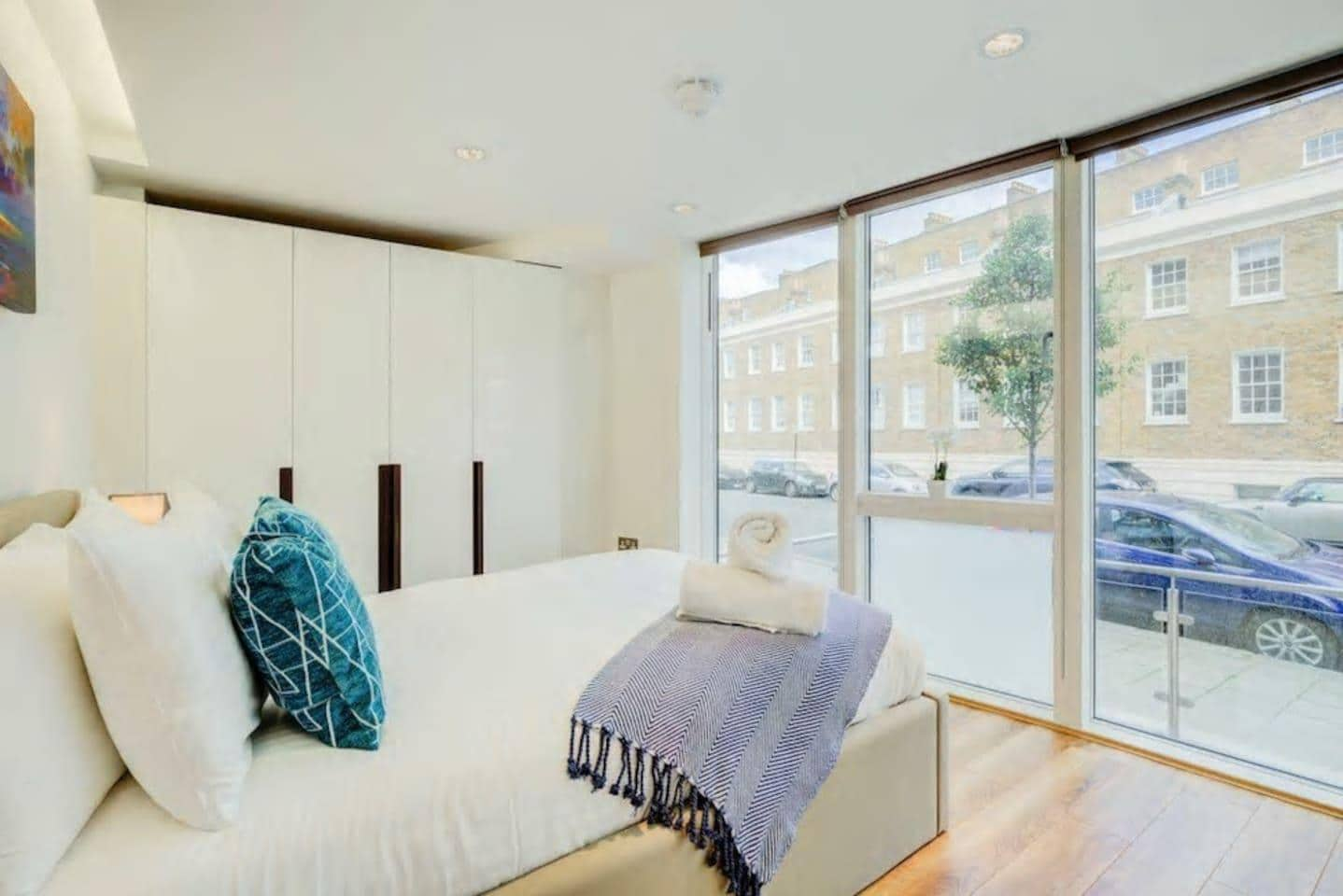 Spacious Chic Flat in Marylebone