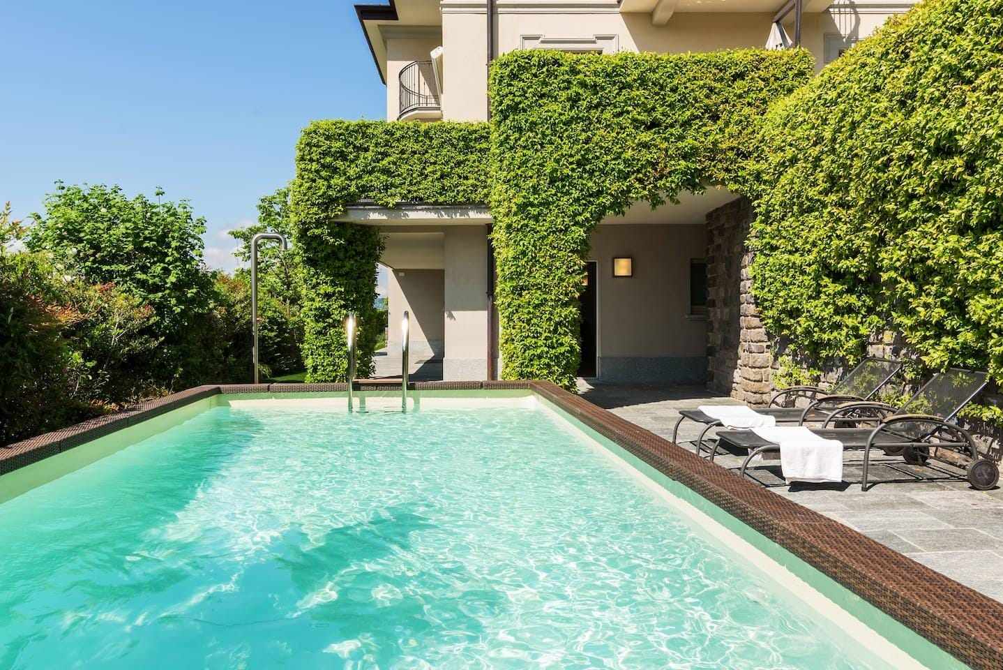 Property Image 1 - GORGEOUS, Modern & Luxurious Villa for 14 people!