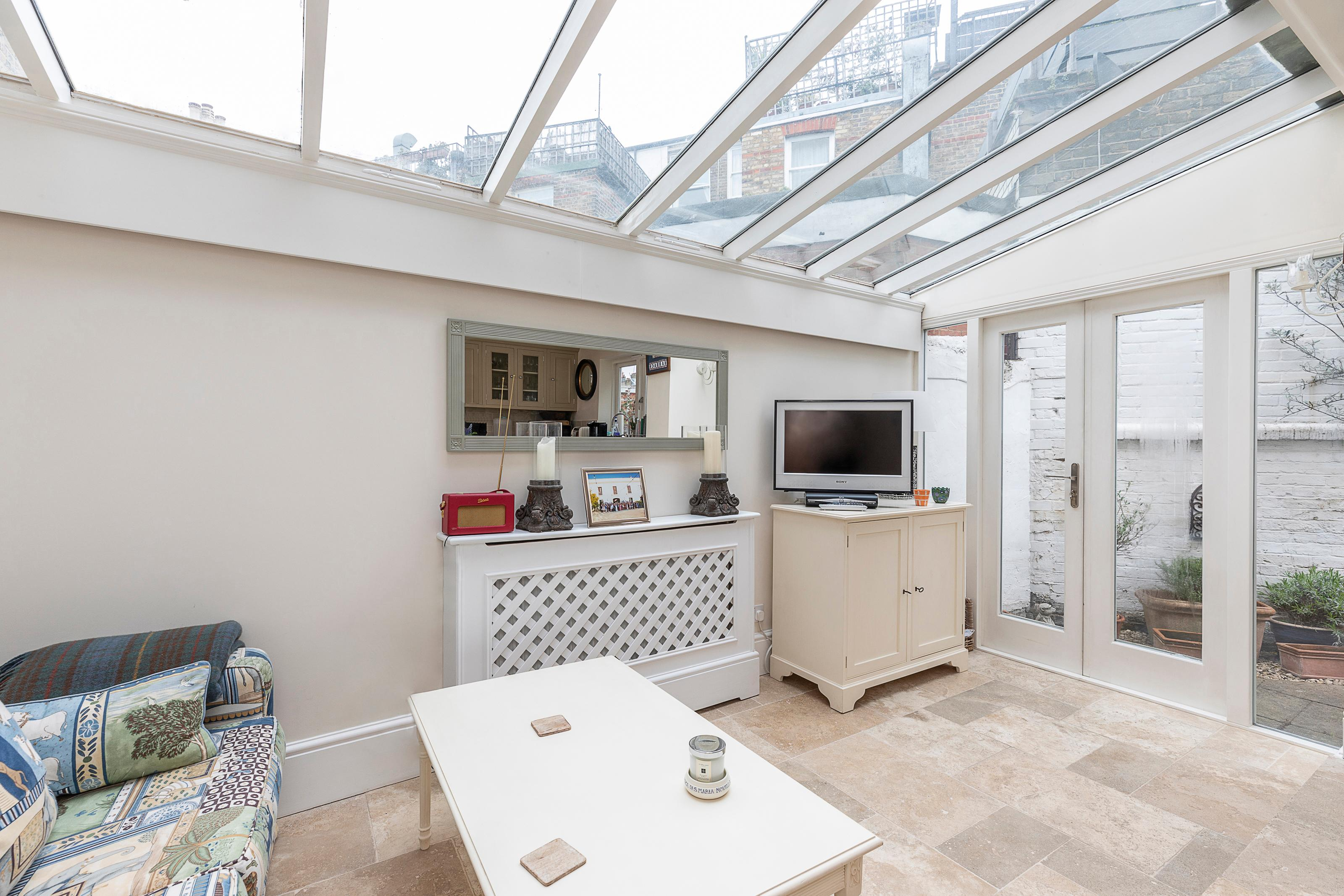Property Image 2 - Contemporary 2 BR flat in Fulham w/ patio