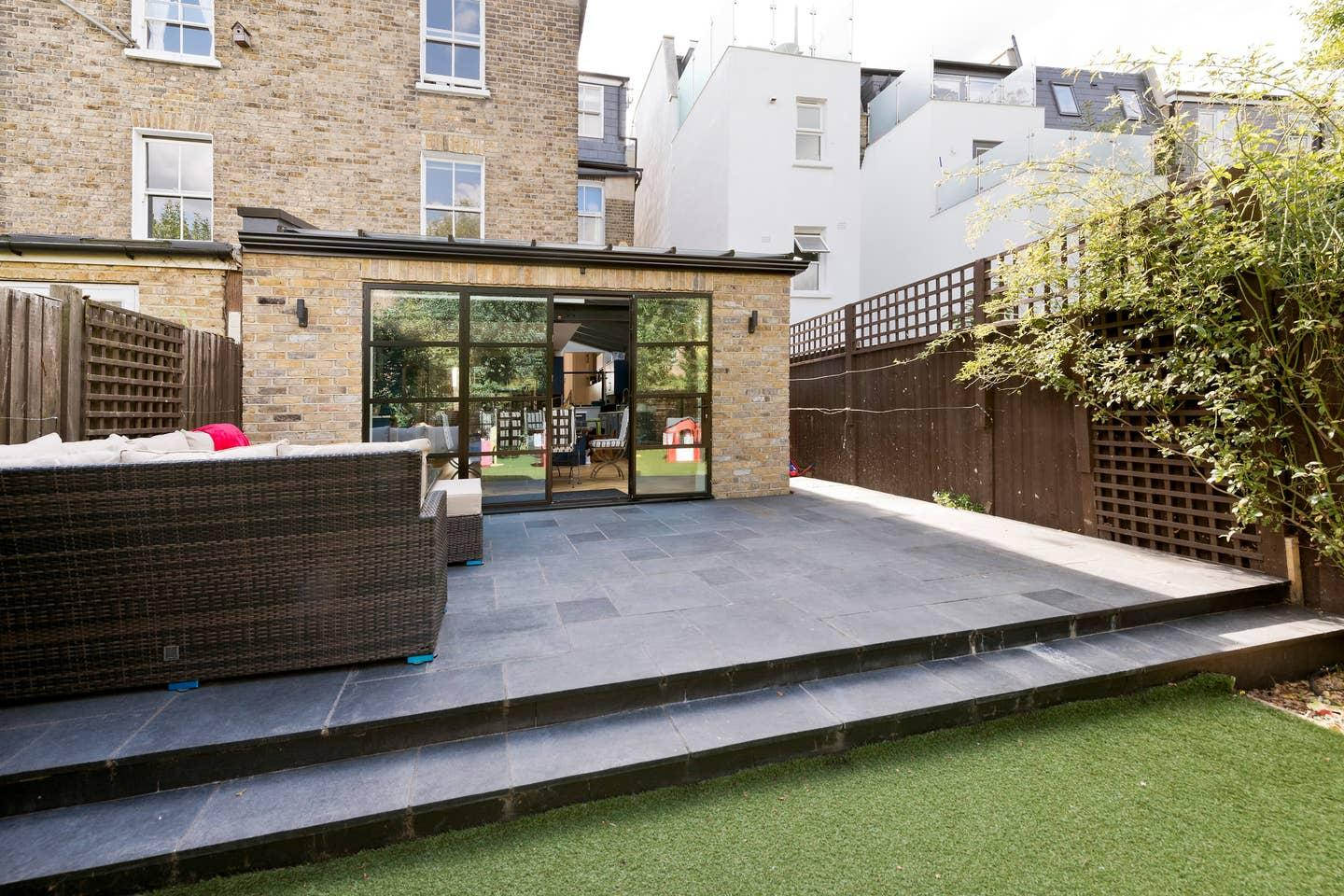 Property Image 2 - Bright & Spacious House in Putney