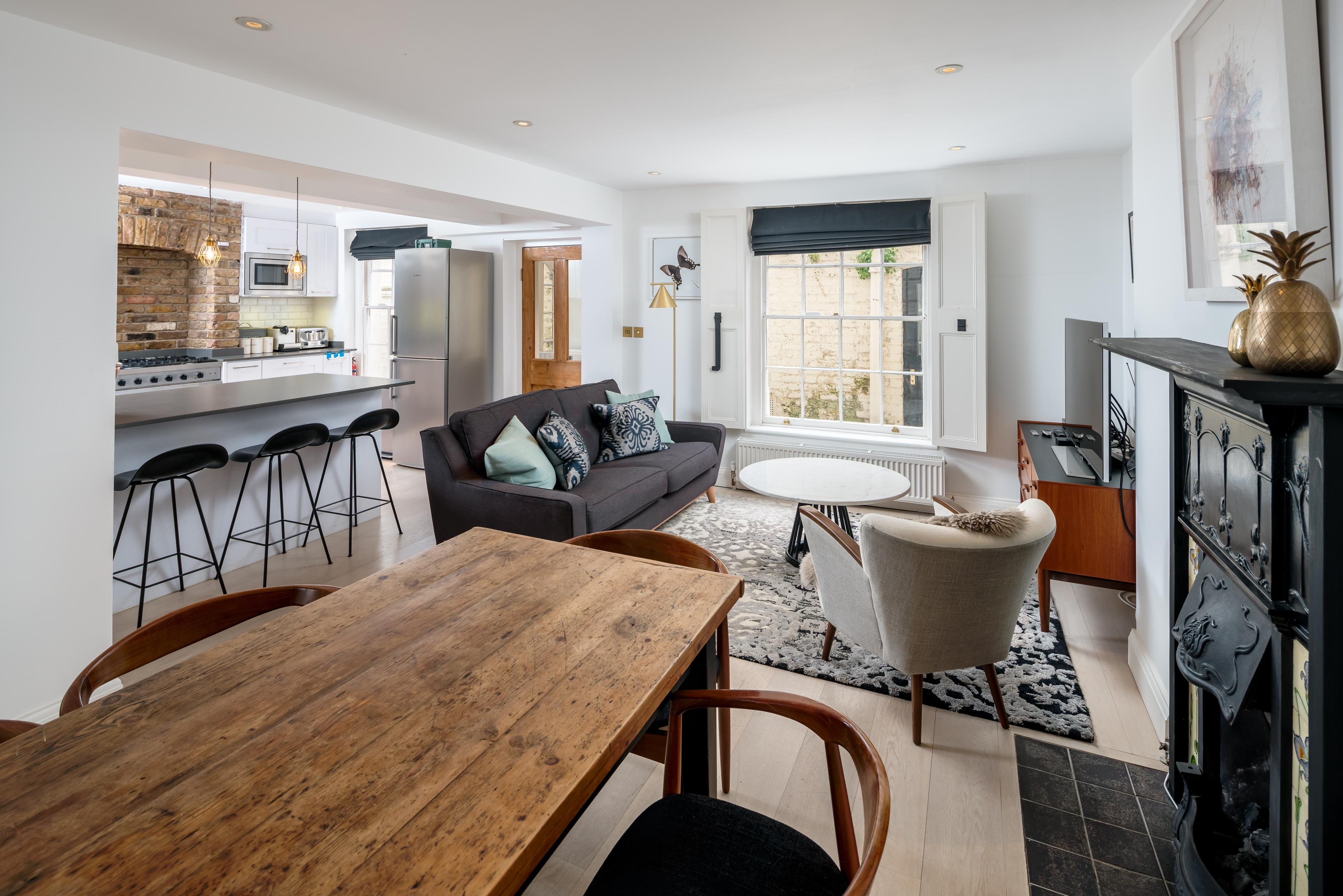 Property Image 1 - Marylebone 3BR home w/ patio by Baker street