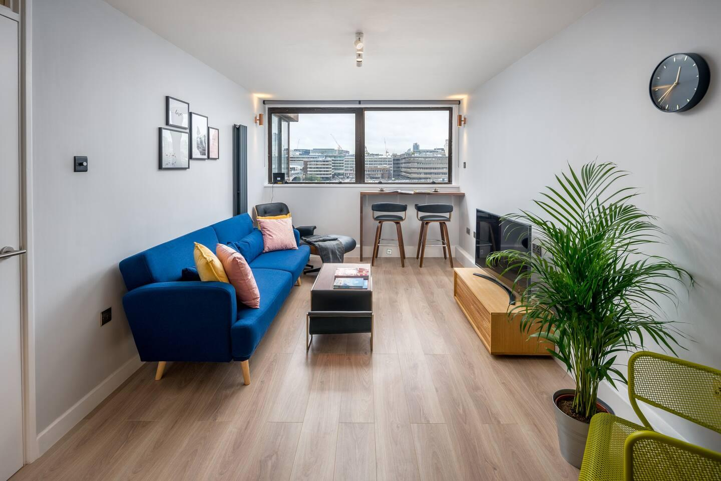 Property Image 2 - Energetic 2BR apartment in Bankside with Panoramic riverview