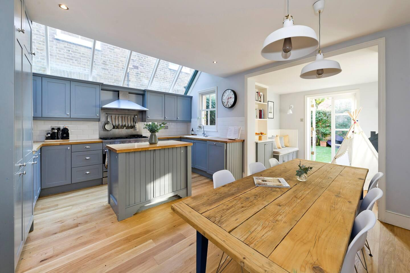 Property Image 1 - Delightful Family House with Farmhouse Kitchen