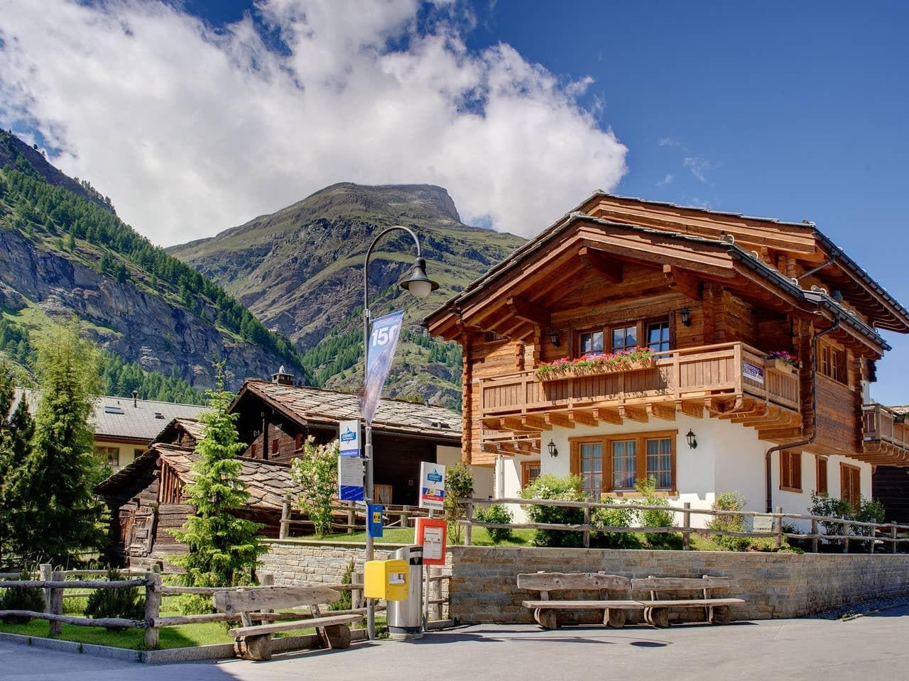 Property Image 1 - SERENE CHALET BLENDS WITH NATURE