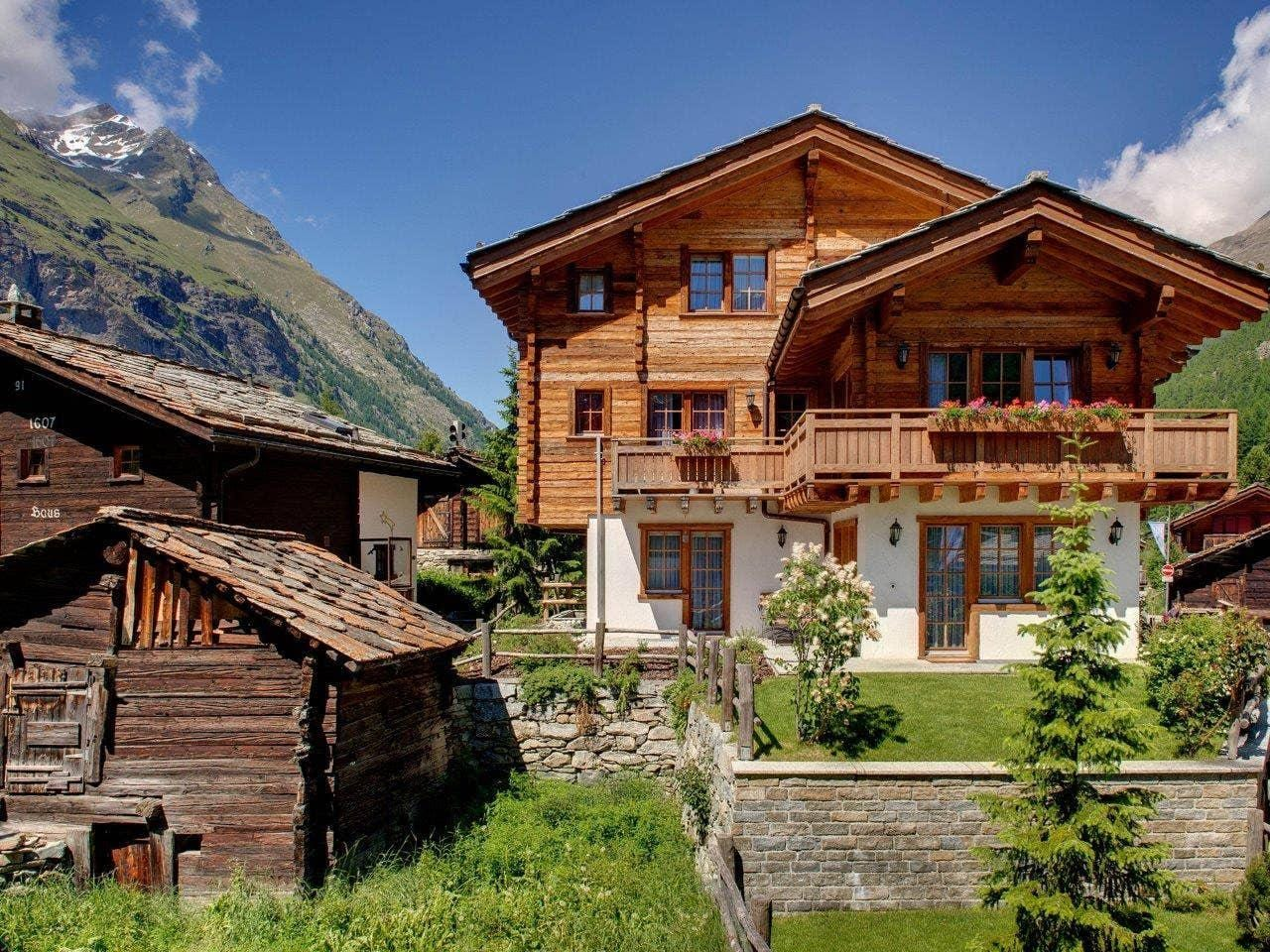 Property Image 2 - SERENE CHALET BLENDS WITH NATURE