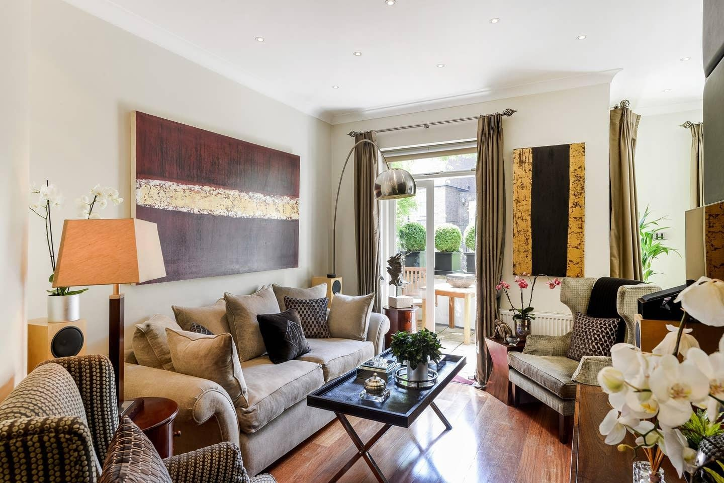 Property Image 1 - Luxurious Apartment with Beautiful Garden