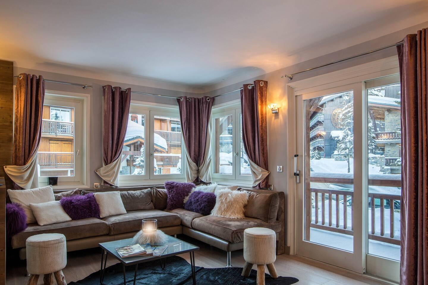 Property Image 1 - GREAT WINTERTIME CHALET AT THE HEART OF COURCHEVEL