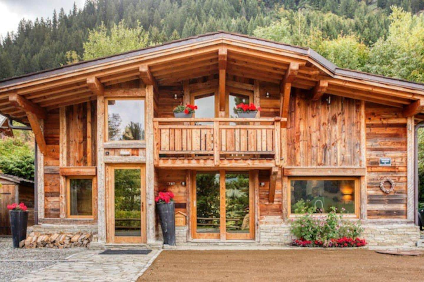 Traditionally Sweet Chalet with Superb Views