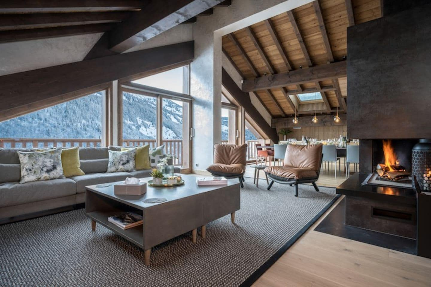 Breathtaking Chalet with Swim Spa & Cinema Room