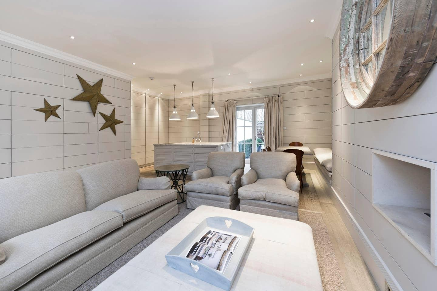 Property Image 1 - Gorgeous Mews House in Battersea