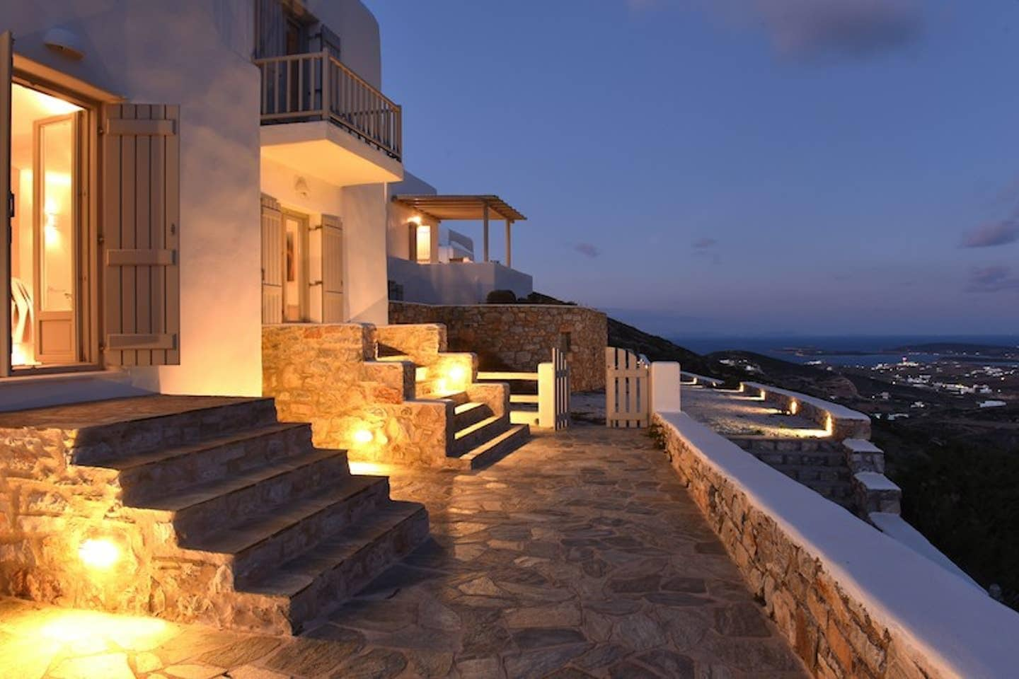 Property Image 2 - Trio Deluxe Villa with Infinty Pool located in Nousa Greece