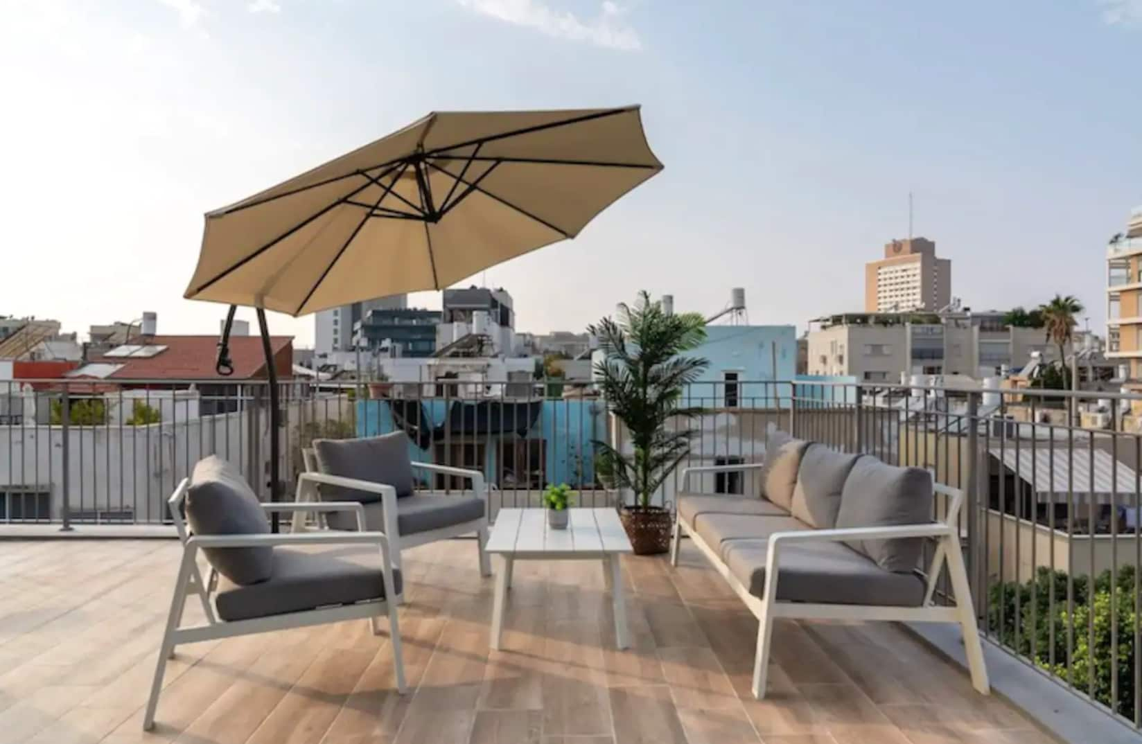 Light Posh Apartment in the Heart of TLV