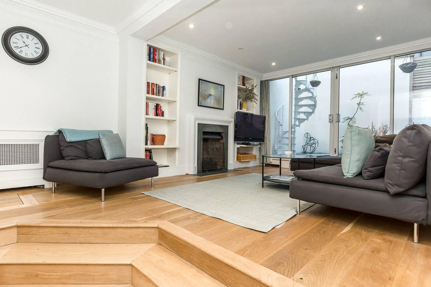 Property Image 1 - Exquisite 3 Bedroom House with Terrace in Knightsbridge