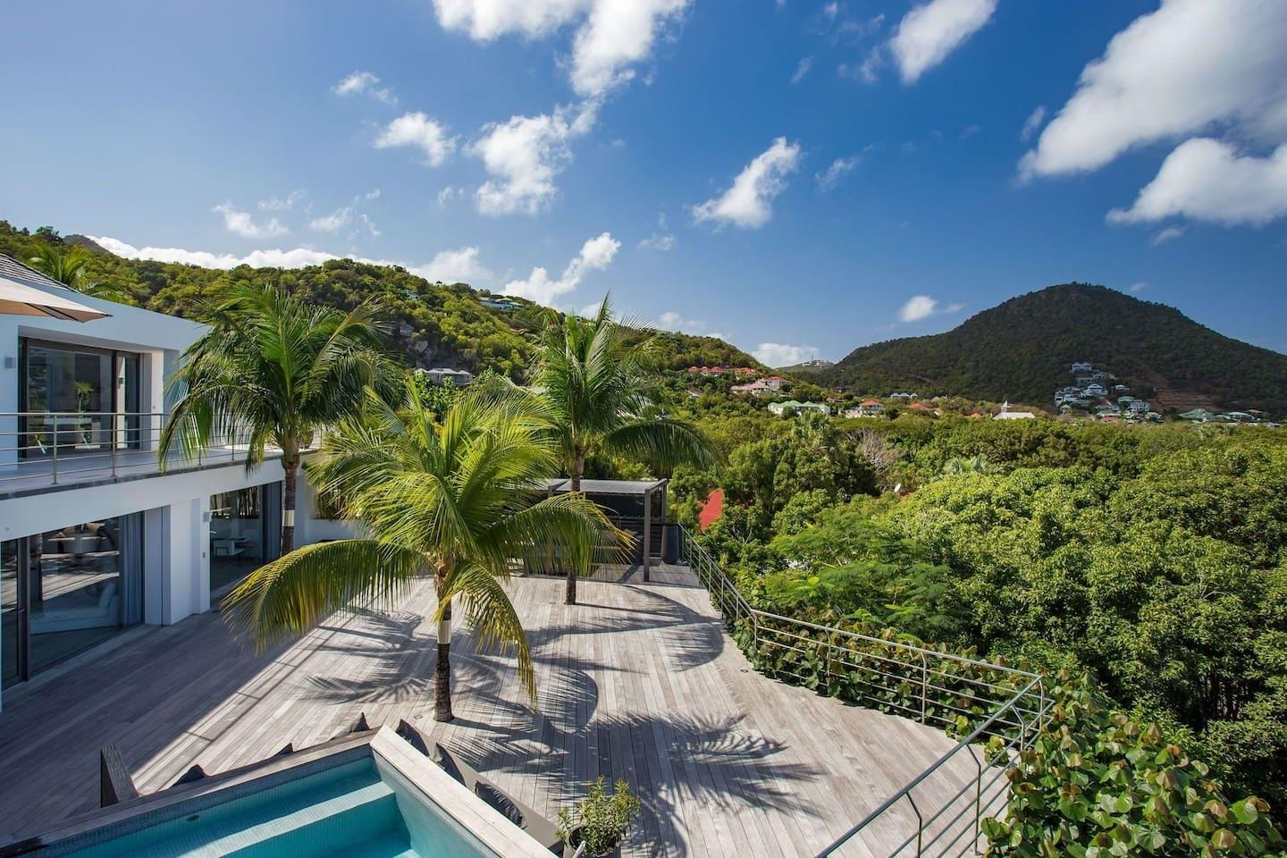 Property Image 1 - Vibrant Sunny Villa with an Amazing Sea View