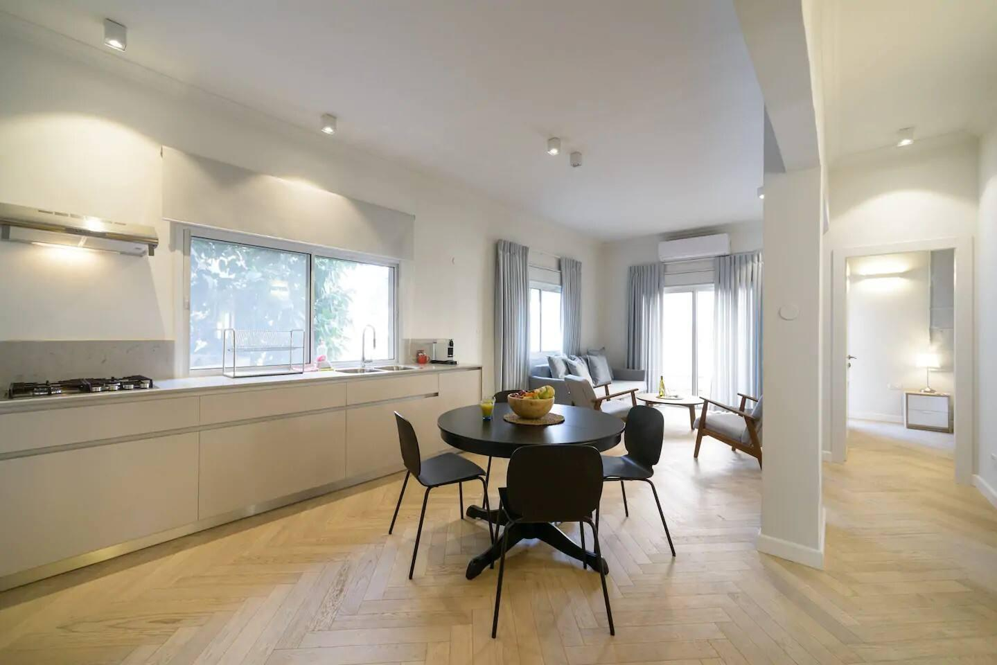 Street's Best Apartment in Tel Aviv