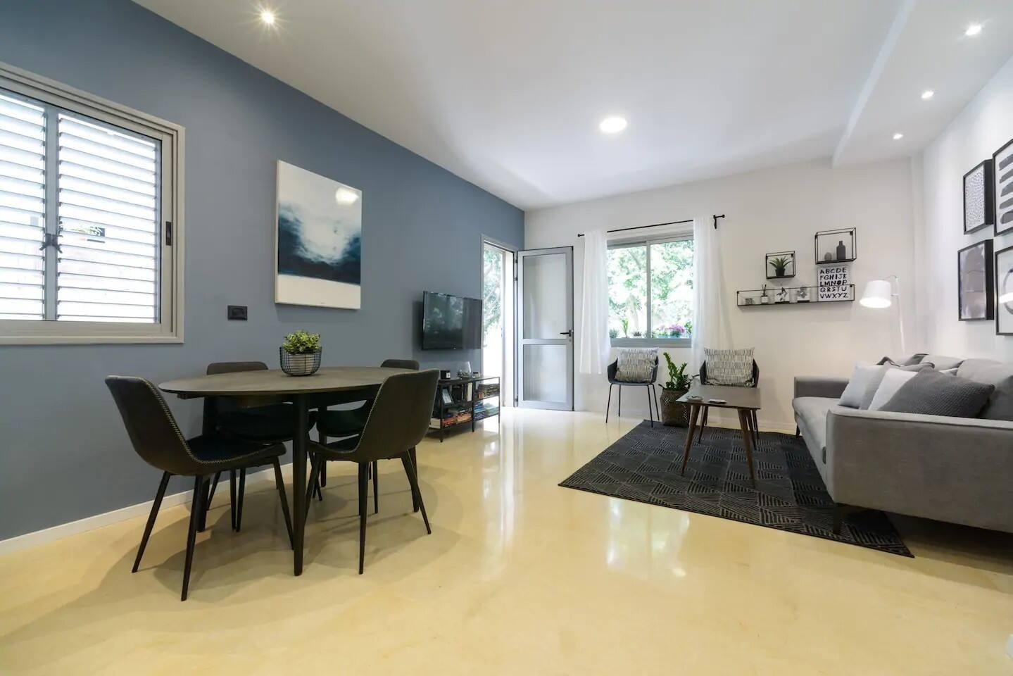 Unique Basic Flat in Super Central Area