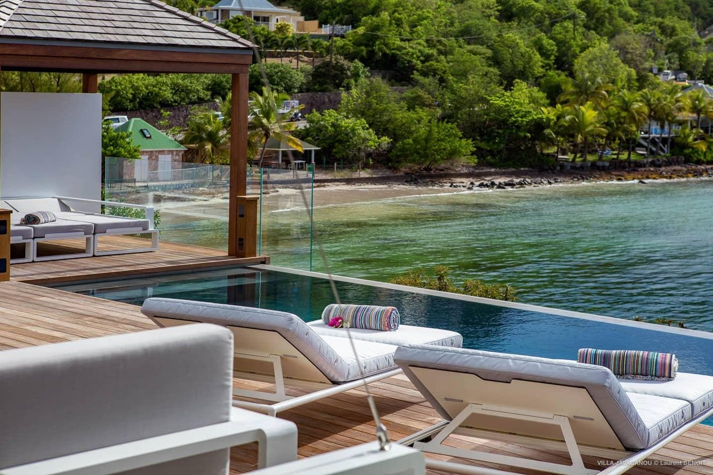 Exceptional Sterling Villa overlooking Marigot Bay
