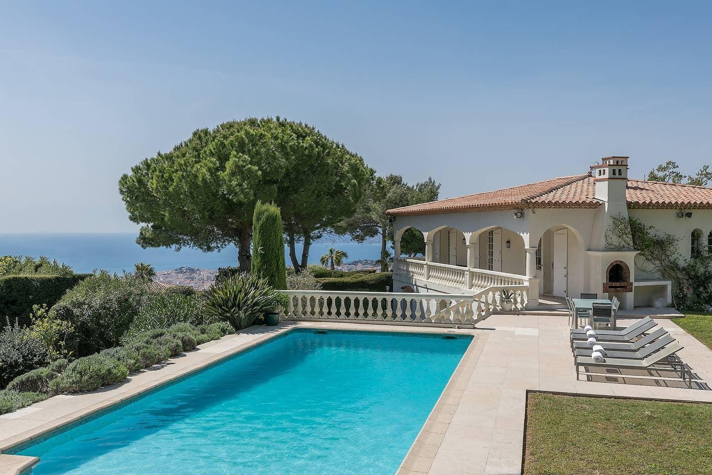 Palm Trees Villa with Esterel Hills View