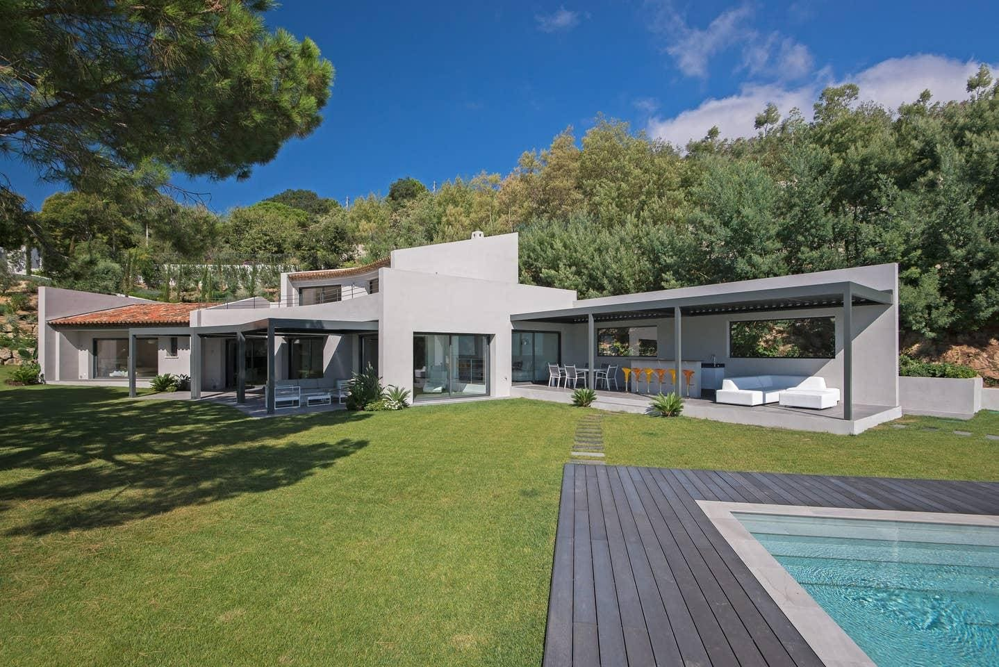 Hills of Cannes Villa with Swimming Pool and Garden