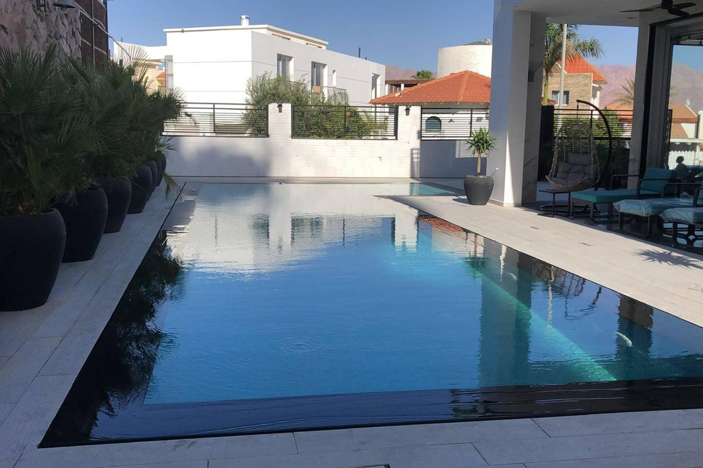 Property Image 1 - Dazzling Villa in Eliat with Cinema Romm