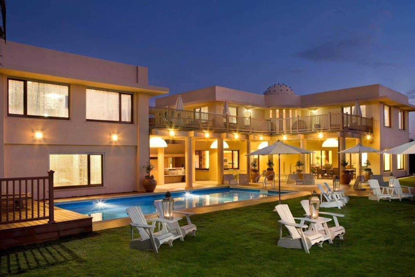 Property Image 1 - Lovely Villa with Private Pool & Jacuzzi near the Beach