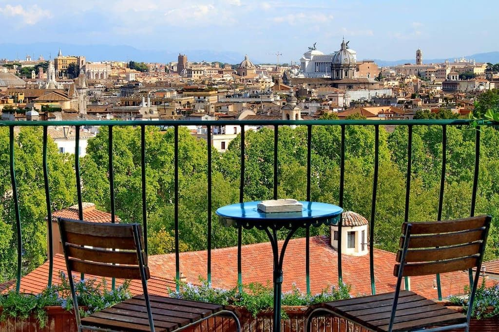 Property Image 1 - Romantic apartment with the best views of Rome