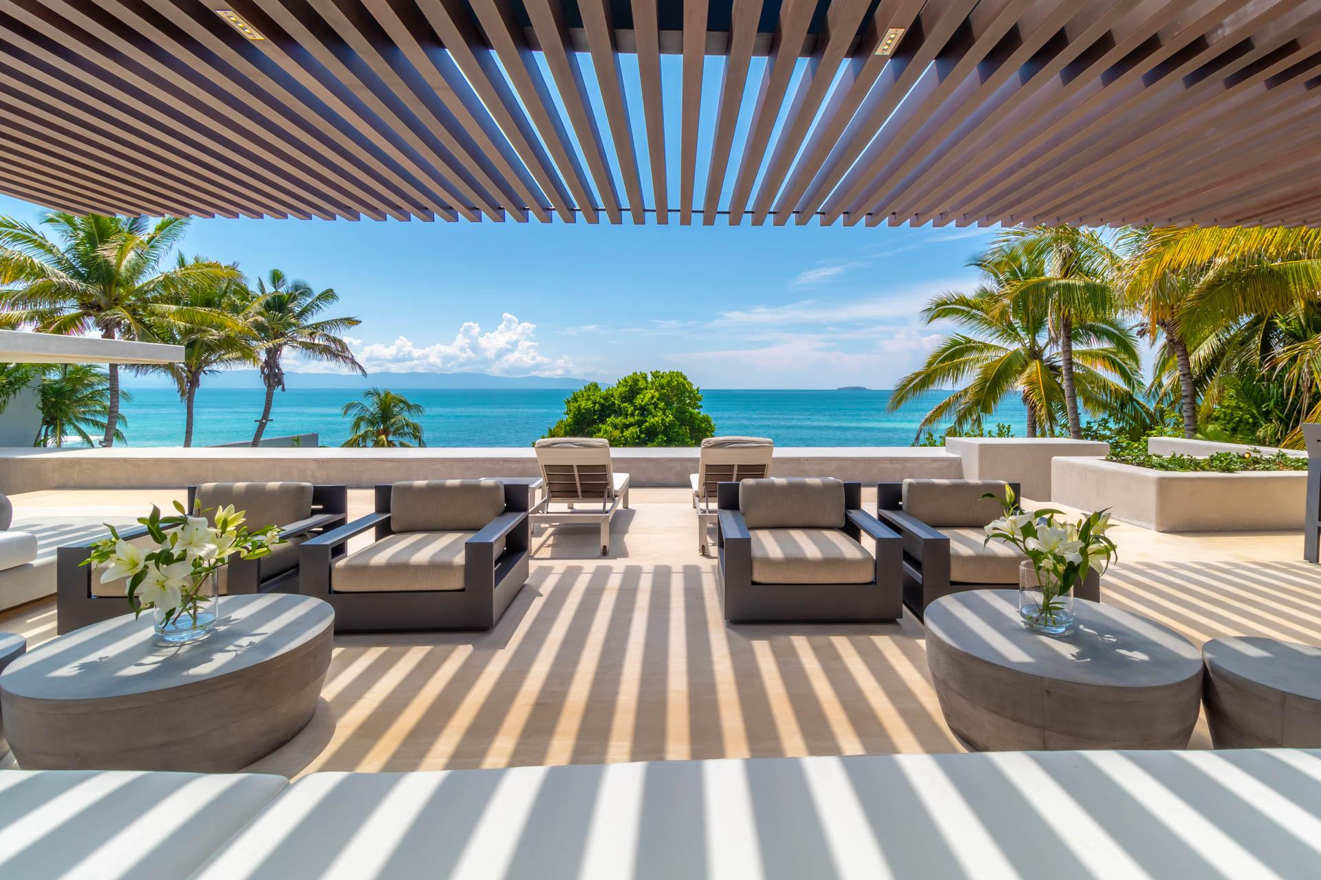 Property Image 2 - Mesmerizing Sleek Designed Beachfront Sanctuary Villa