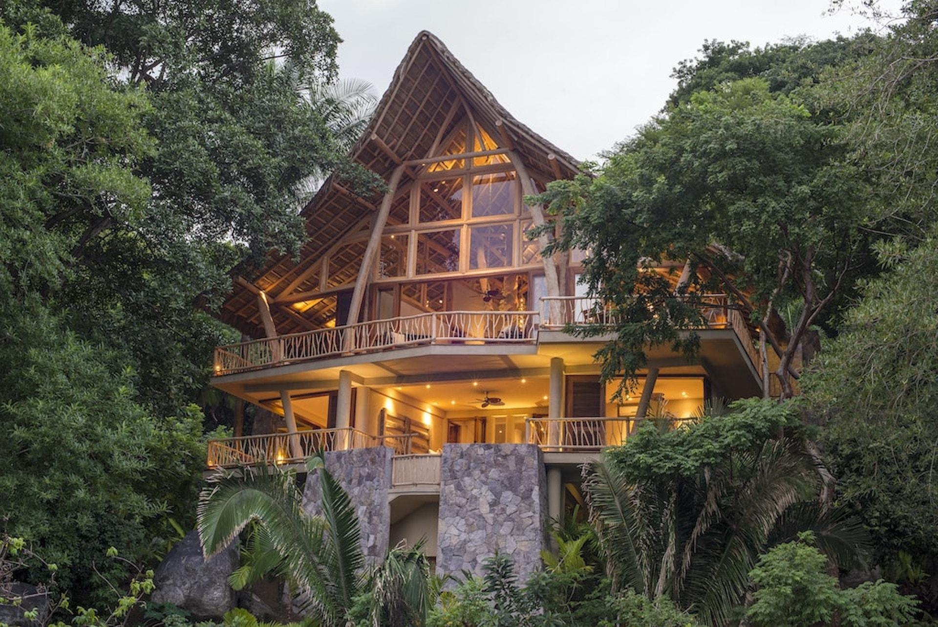 Property Image 1 - Serene Tree House with Views of Amazing Local Flora and Fauna