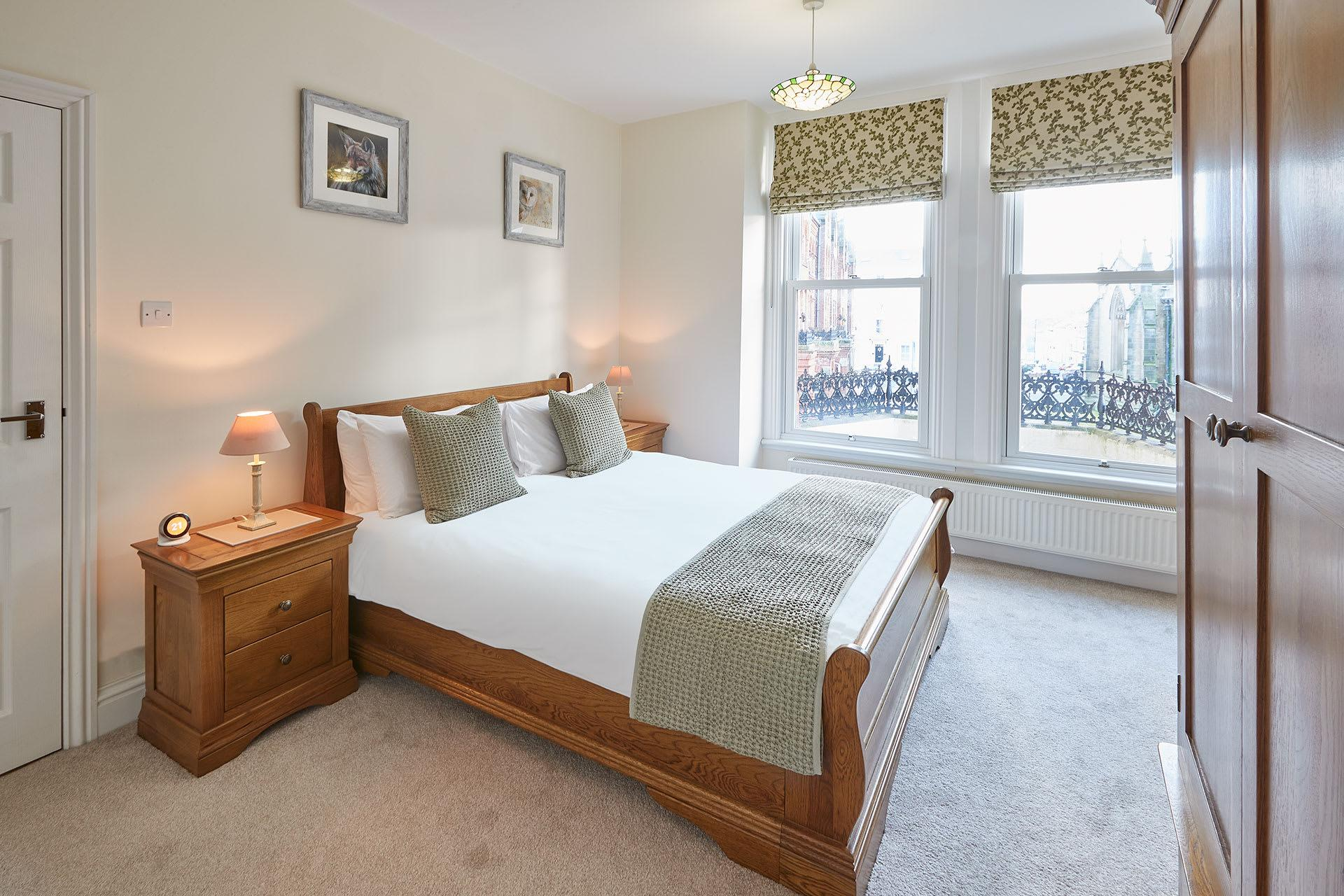 Property Image 1 - Delightful Modern Apartment with Free Parking in Whitby