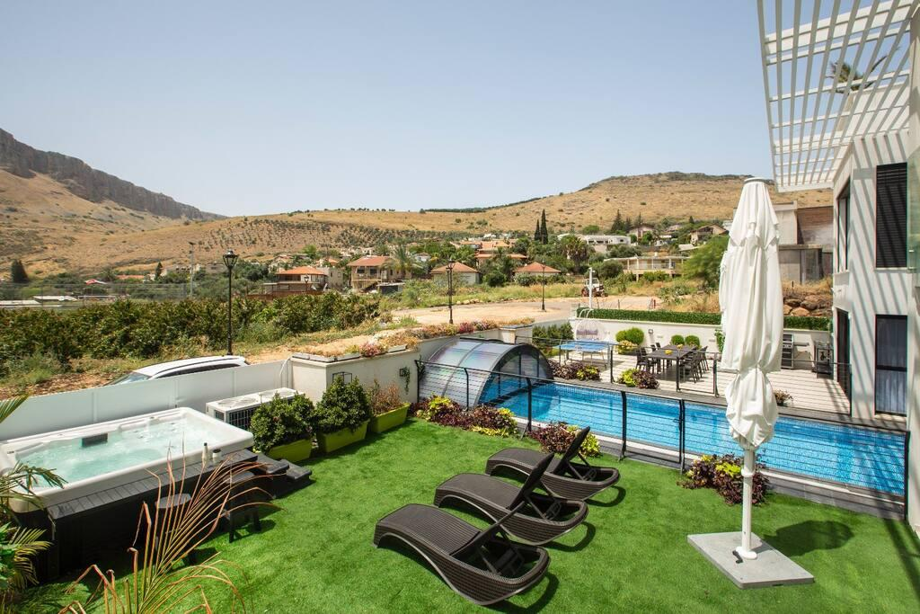 Property Image 2 - Modern Luxury Villa with Jacuzzi & Pool in Migdal