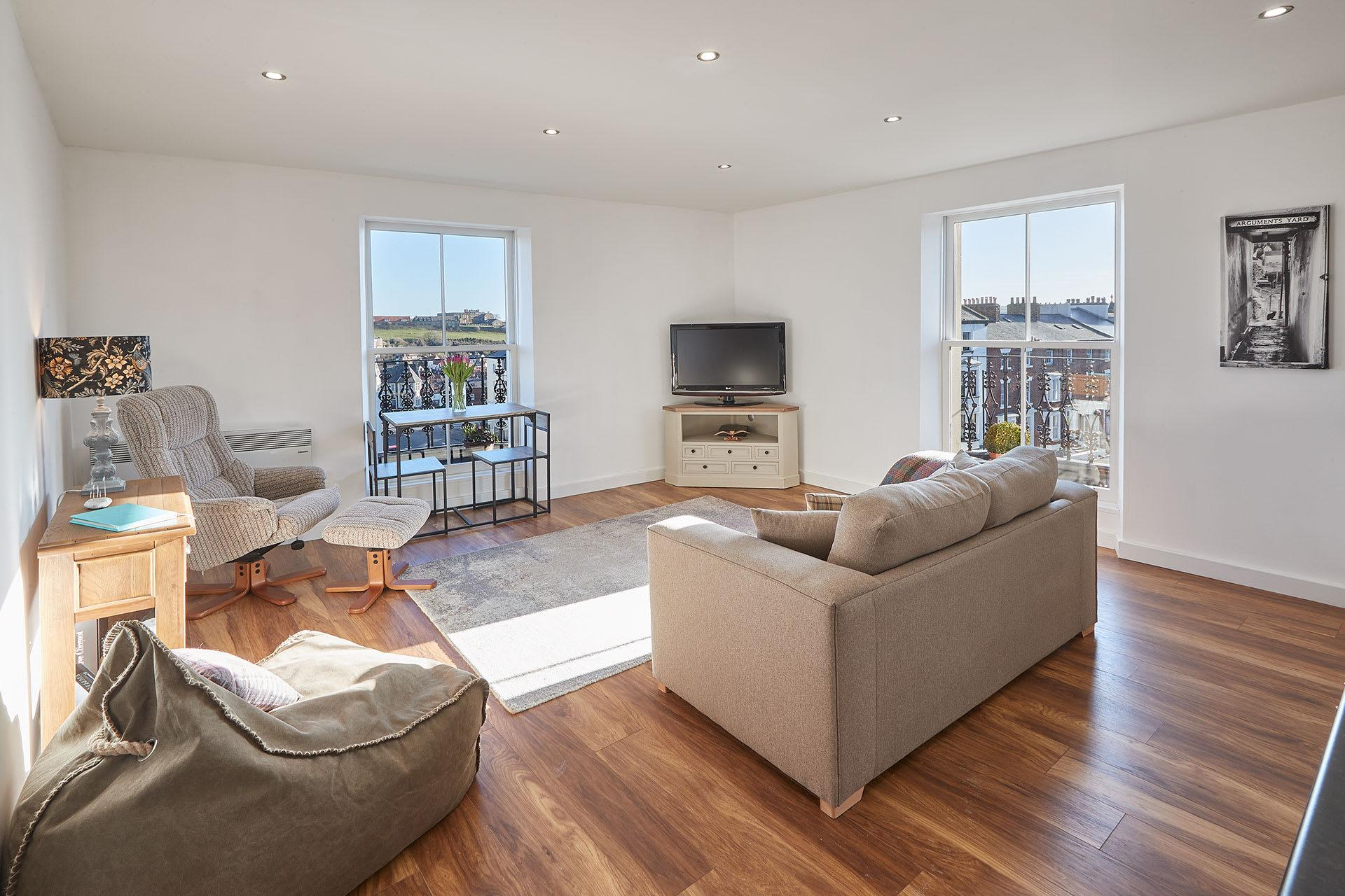 Property Image 1 - Cosy Contemporary 1 Bedroom Apartment Near Beach and Harbour Perfect for a Seaside Escape