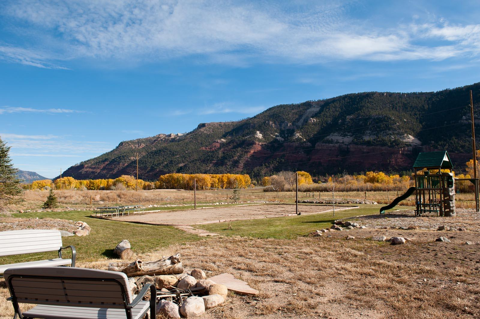 Luxury Townhome - 4 Miles to Downtown Durango- Central A/C