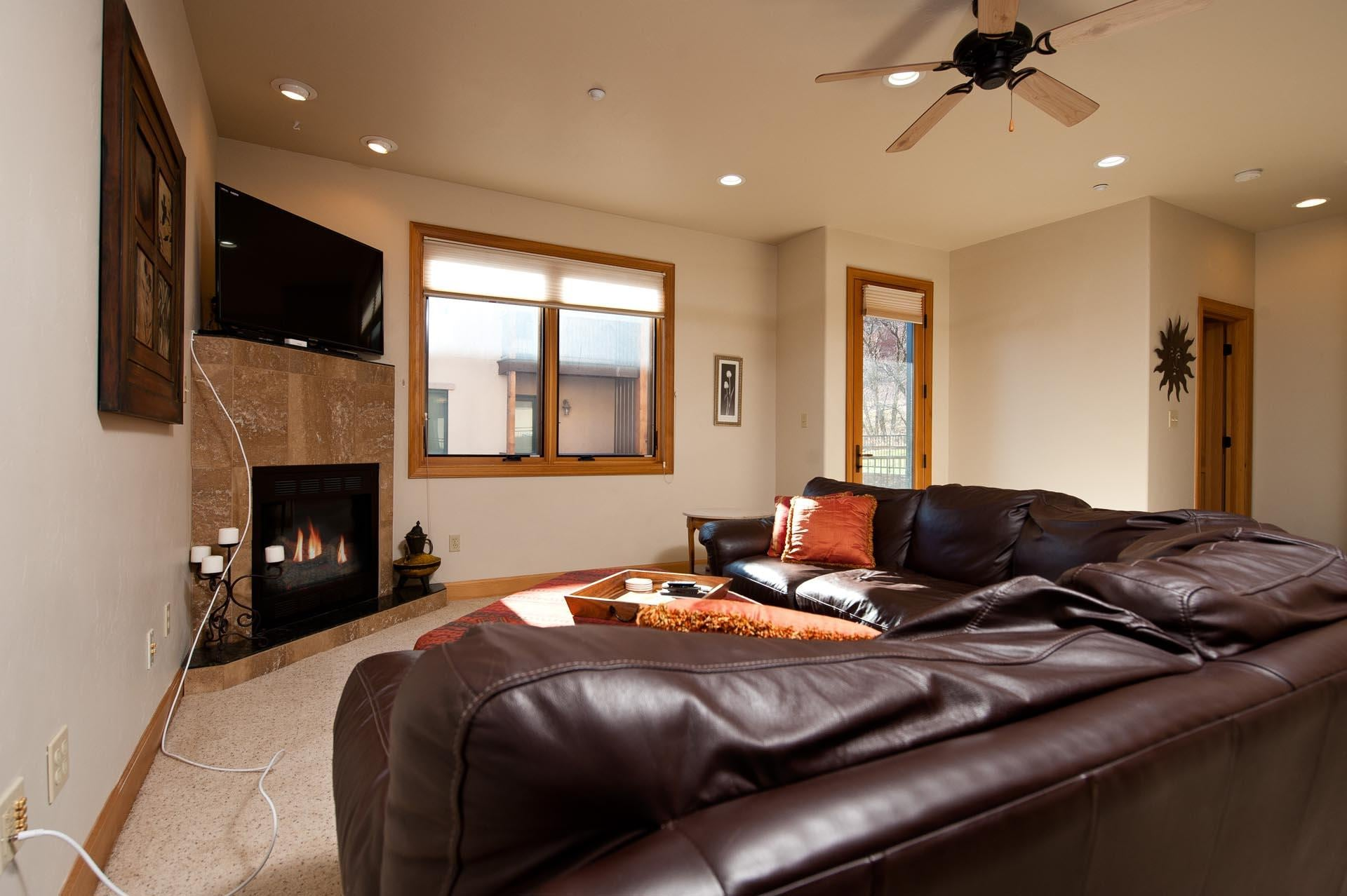 Luxury Townhome - 4 Miles from Downtown Durango - Great Views of Animas Valley