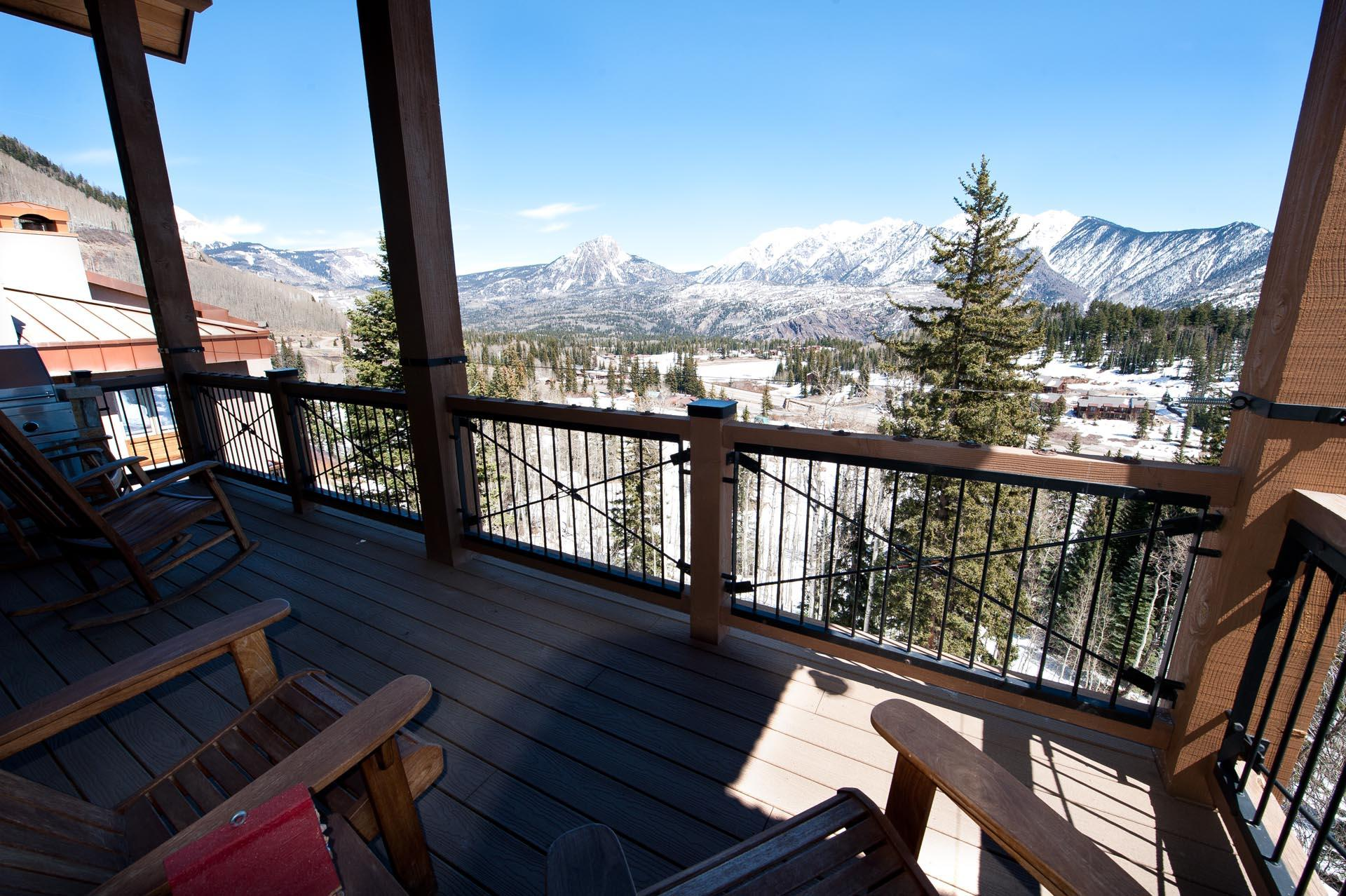 Outdoor patio with amazing mountain views and bbq grill